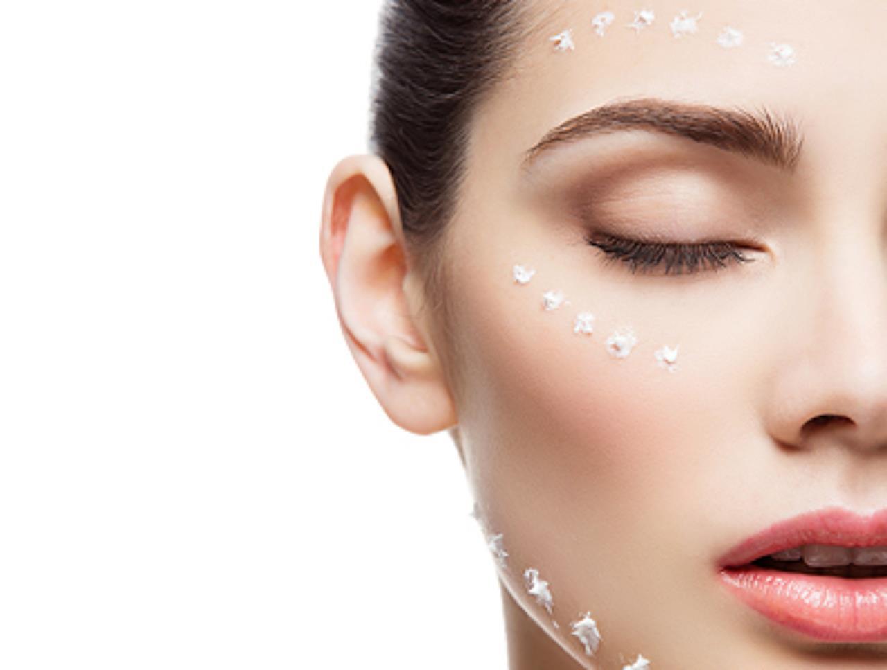 Tẩy da chết bạn cũng nên chăm sóc da bằng các loại tinh dầu tự nhiên