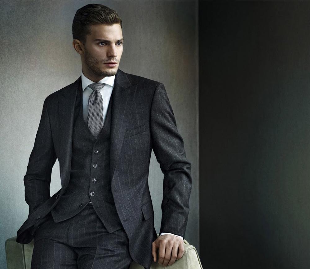 Phụ kiện thời trang nên có khi mặc suit giúp chàng lịch lãm
