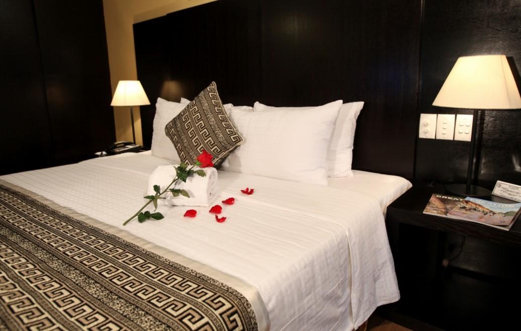 Những món đồ bạn có thể mang từ phòng tắm khách sạn về