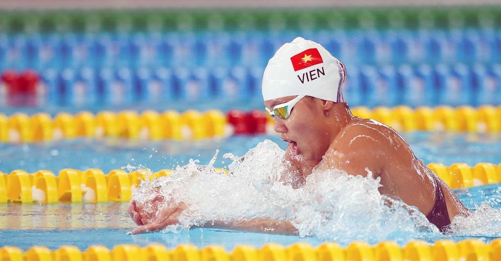 Vận động viên bơi lội nên có chế độ ăn uống trước và sau khi bơi như thế nào?