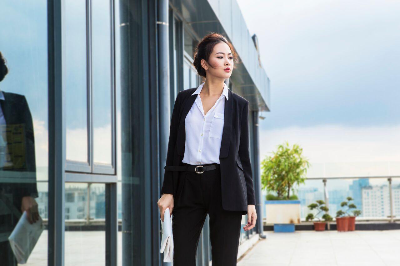 Những trang phục giúp cô nàng công sở ăn gian chiều cao